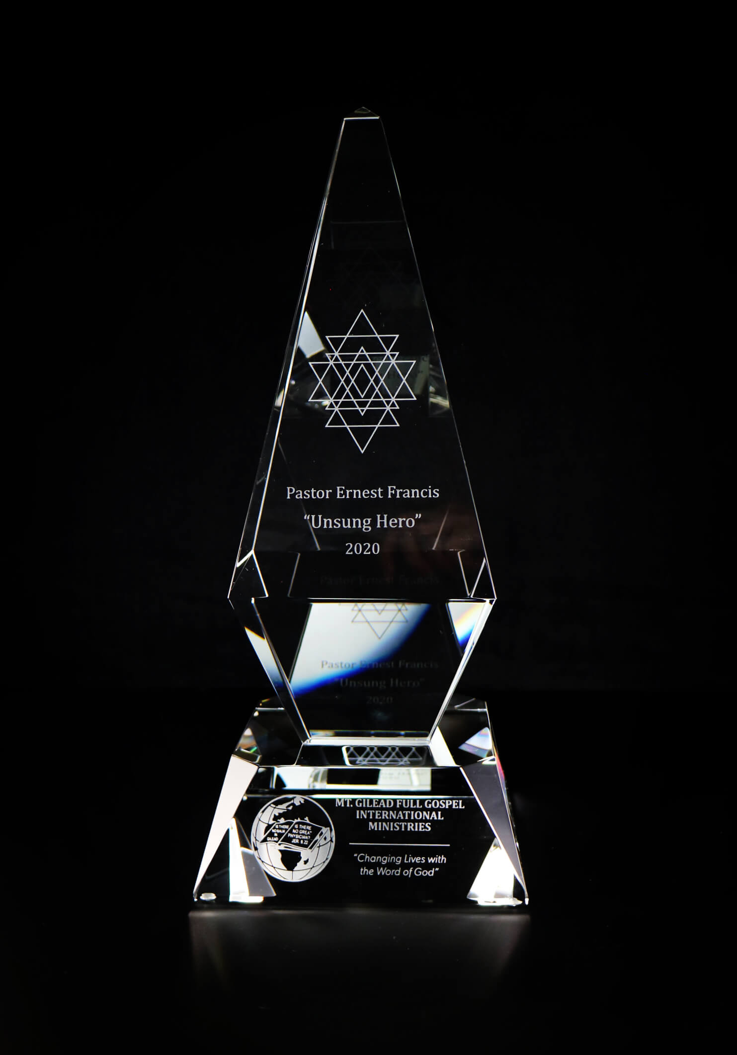modern-crystal-trophy-customized-engraved-corporate-recognition-award-bc-5-churcg-trophy