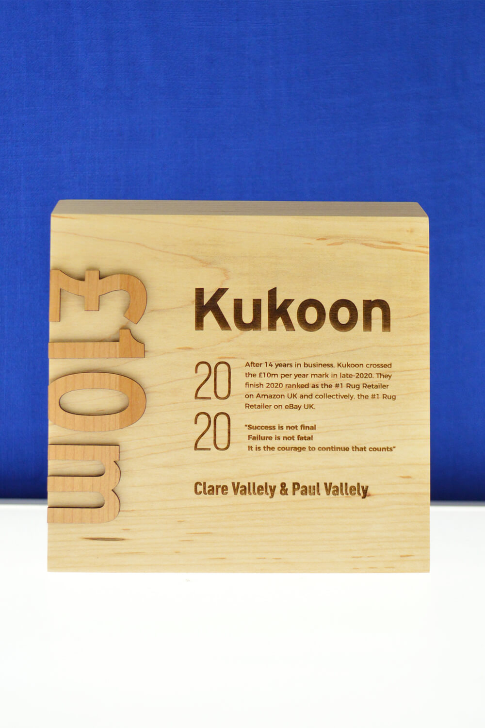 sustainable-customized-wood-award-laser-engraved-eco-friendly-business-award-canada-4