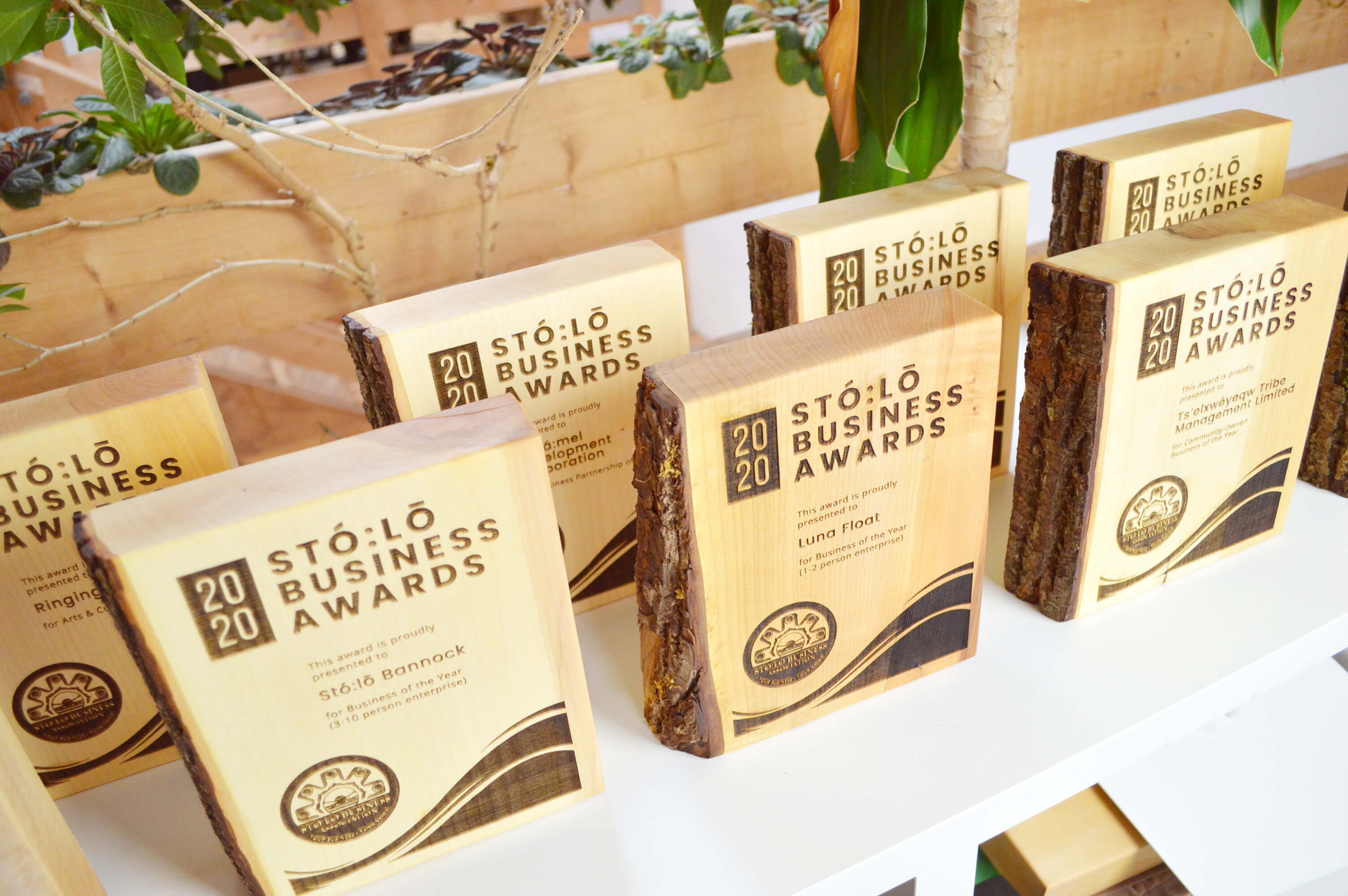 unique-sustainable-personalized-salvaged-wood-business-recognition-award_vancouver-trophy-shop-canada-9