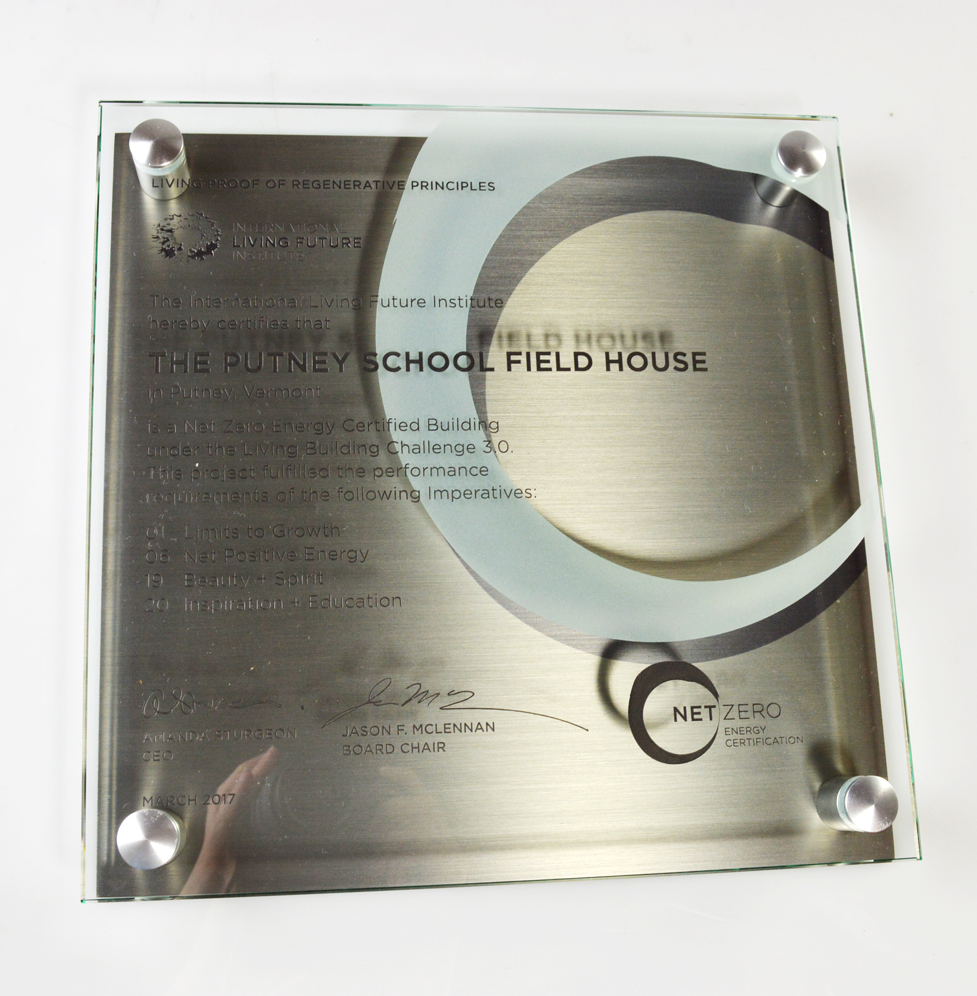 custom-award_unique_certification-program_glass_stainless-steel_wall-plaque_north-america