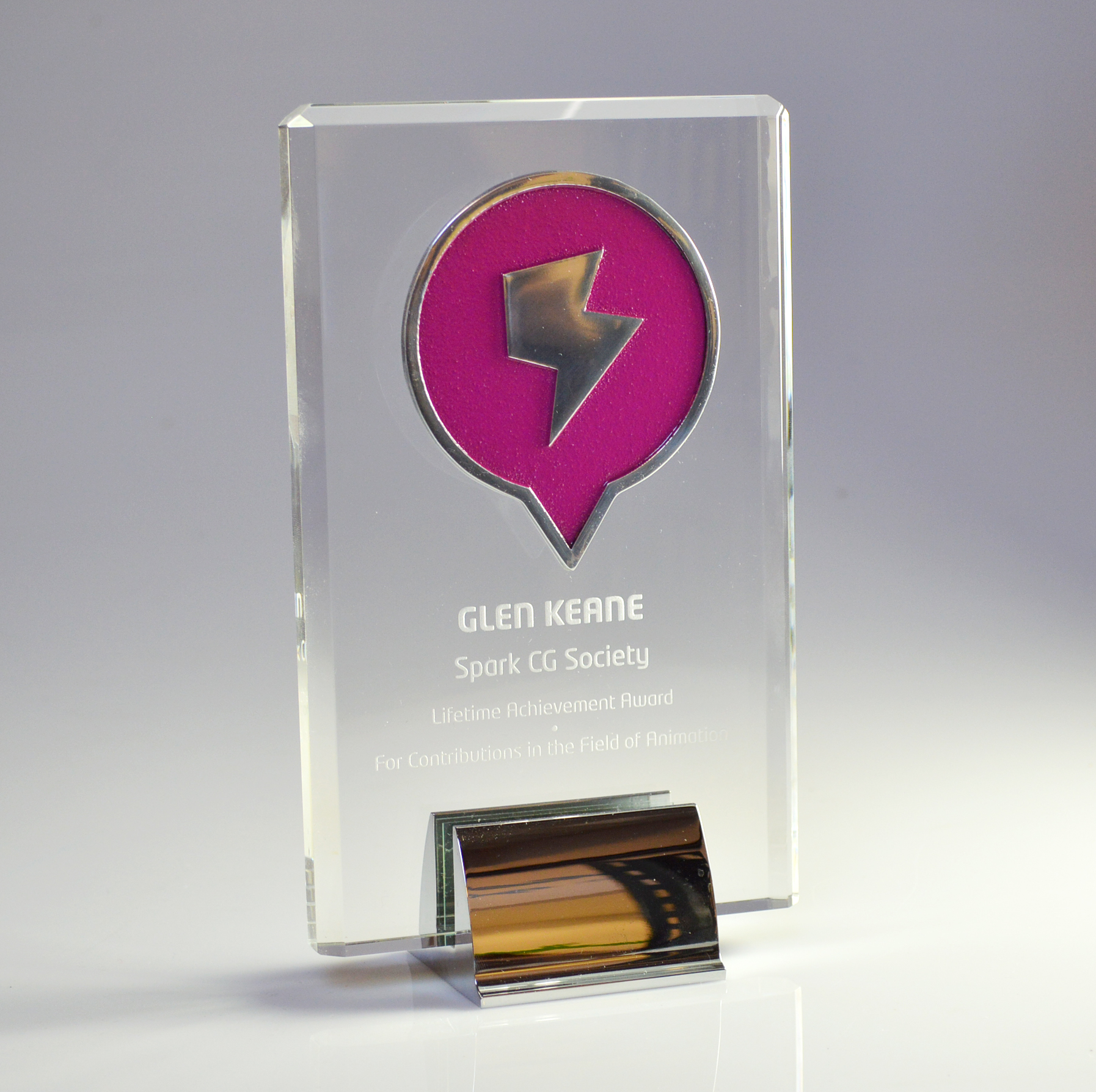 custom-awards_customized_glass-chrome_desktop-award_aluminum-medallion_corporate_anniversary_recognition-award_canada