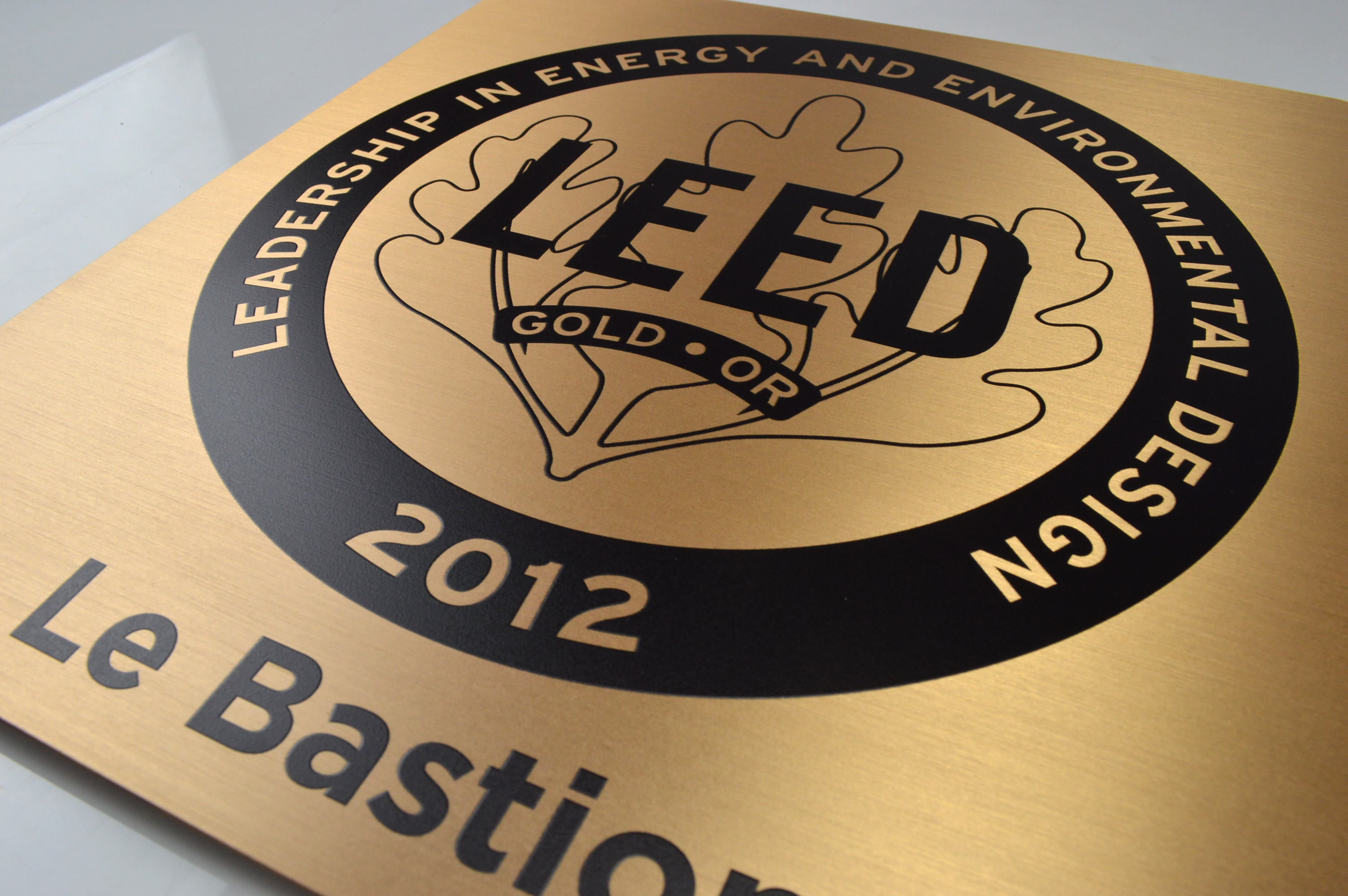 custom-awards_personalized_bronze_outdoor-sign_corporate-recognition_canada