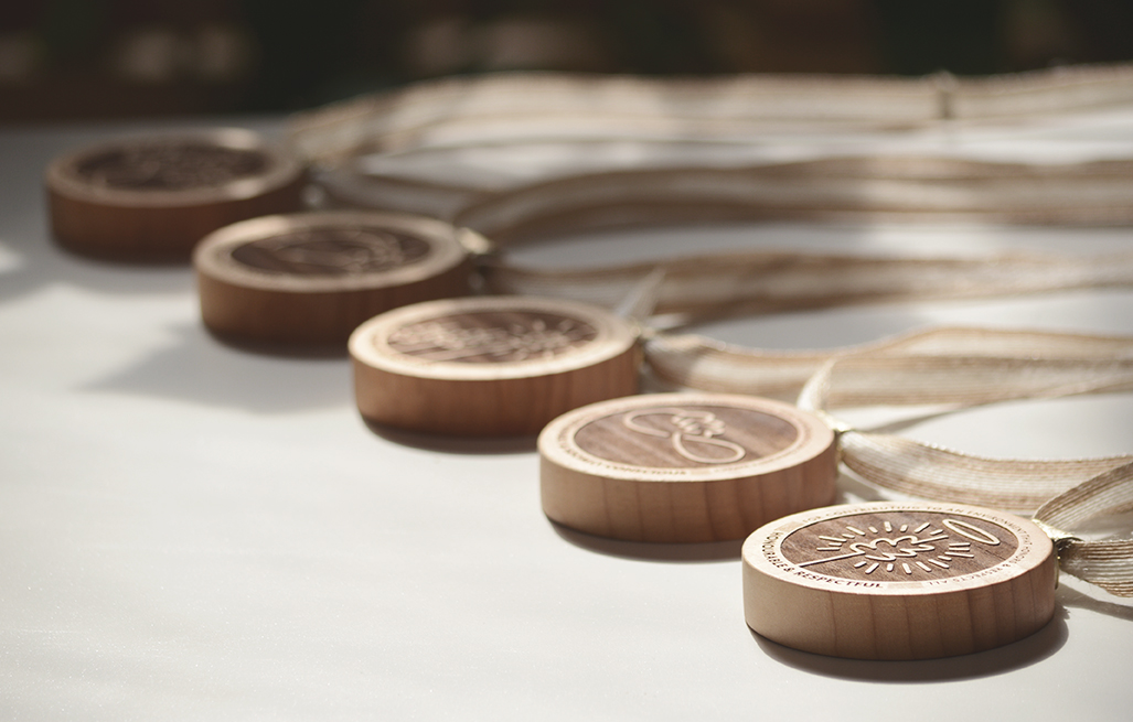 custom-awards_wooden-medallions-salvaged-wood_sustainable_eco-friendly-green_corporate_recognition-award-usa
