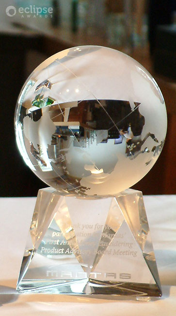 classic-customized-crystal-globe-trophy-corporate-recognition-award-north-america-4