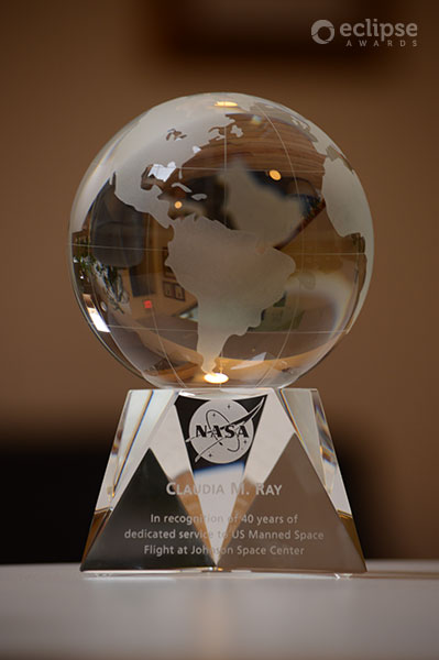 classic-customized-crystal-globe-trophy-nasa-award-north-america