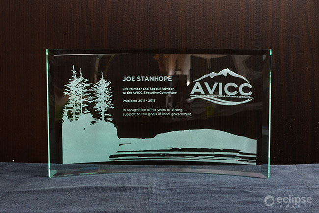 classic-customized-etched-trophy-years-of-service-plaque-bc_new-horizon-2