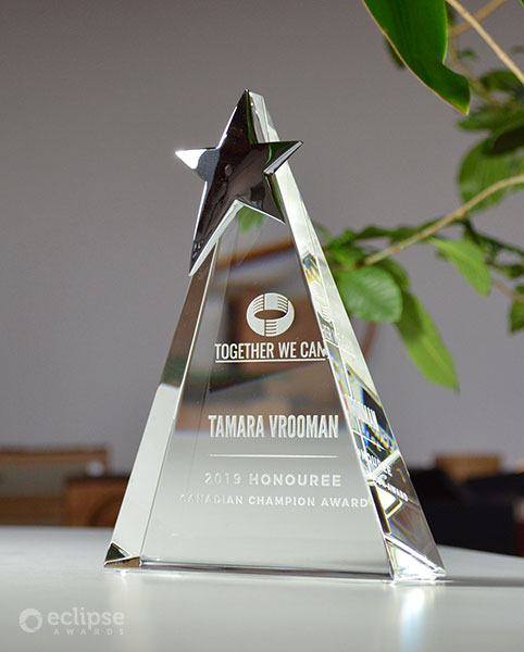classic-personalized-crystal-star-trophy_nonprofit-recognition-award-vancouver-trophy-shop-2