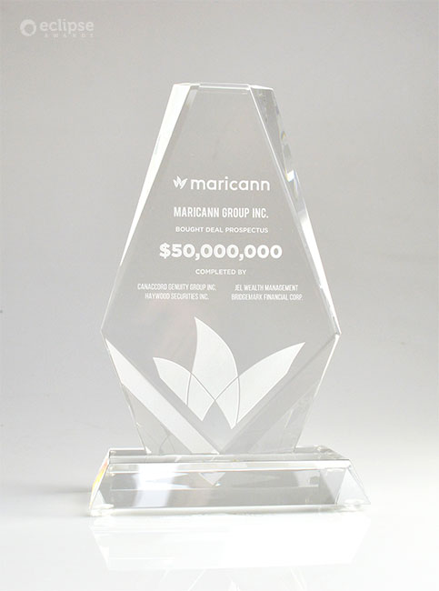 custom-finanicial-tombstone-deal-toy-crystal-trophy_corporate-recognition-north-america