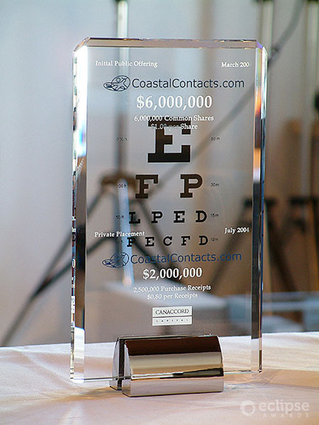 modern-custom-trophy-design-crystal-and-chrome-award-corporate-plaque_north-america-trophy-shop-1