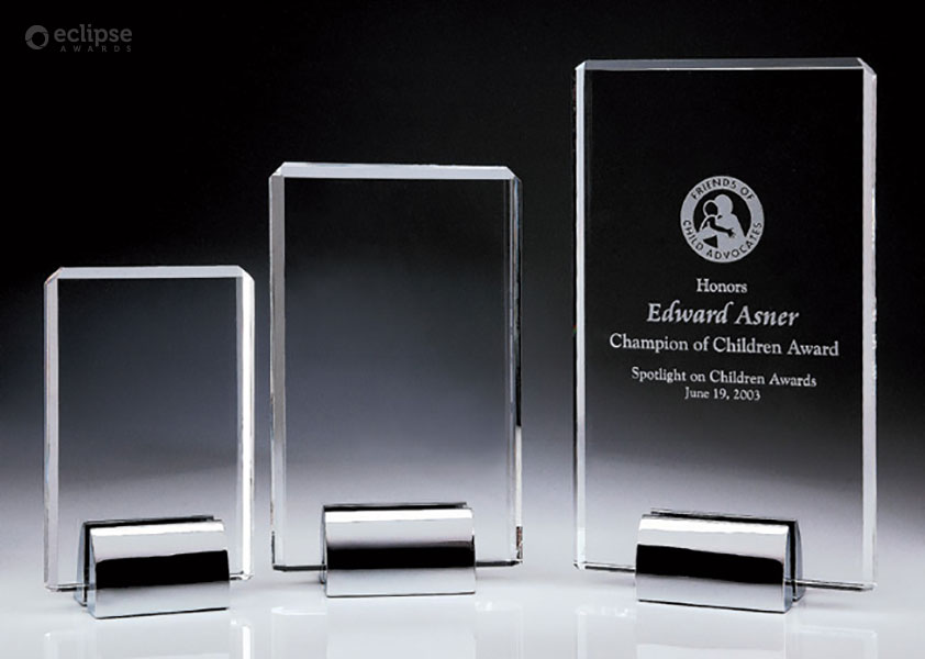 modern-custom-trophy-design-crystal-and-chrome-award-corporate-plaque_north-america-trophy-shop-4