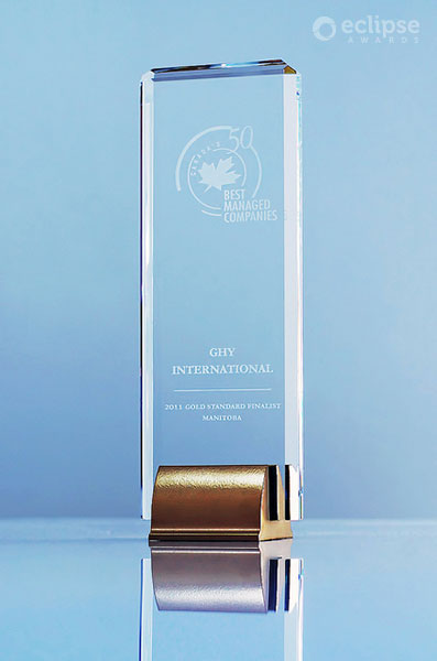 modern-customized-crystal-and-chrome-award-corporate-recognition-award_vancouver-trophy-shop-1