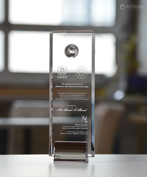 modern-customized-crystal-and-chrome-award-nonprofit-recognition-award_canada-trophy-shop-1