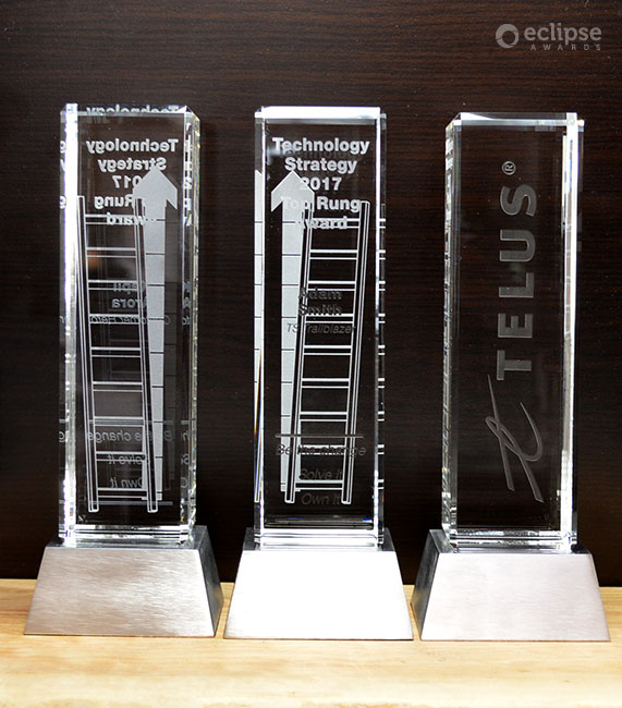 modern-customized-etched-crystal-and-chrome-employee-recognition-trophy-nova-award-canada-2