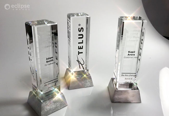 modern-customized-etched-crystal-and-chrome-employee-recognition-trophy-nova-award-canada
