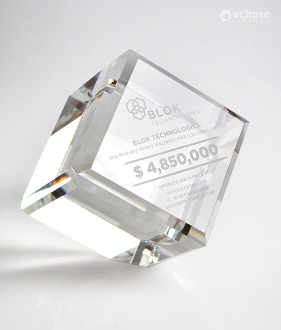 modern-personalized-crystal-financial-deal-toy-corporate-trophy-usa