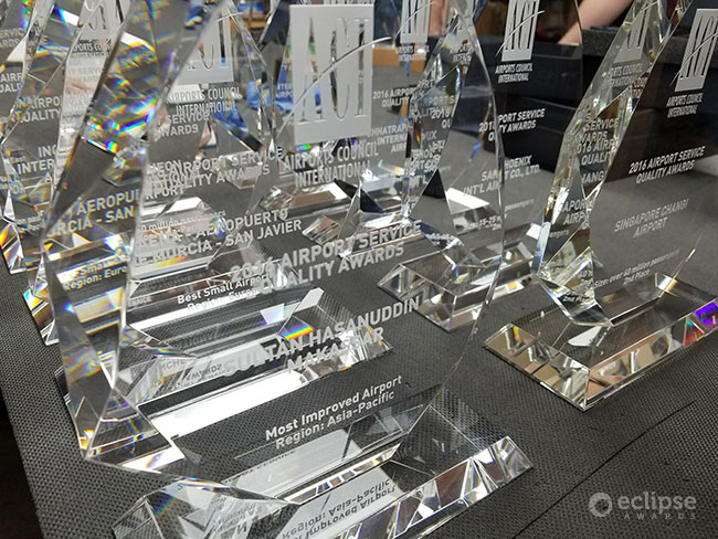 modern-personalized-sandblasted-crystal-corporate-recognition-awards-canada-2