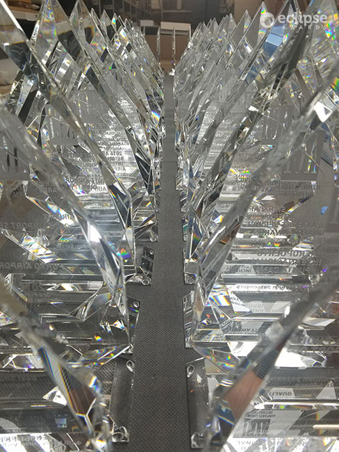 modern-personalized-sandblasted-crystal-corporate-recognition-awards-canada-3