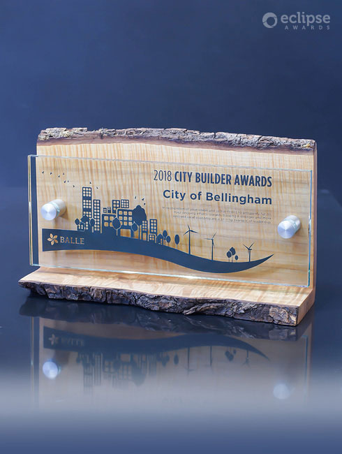 unique-sustainable-salvaged-wood-and-glass-custom-corporate-trophy-canada-2