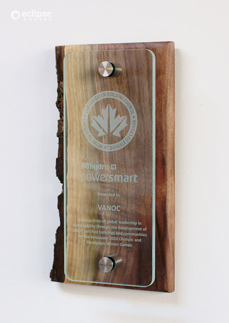 unique_eco-friendly-customized-glass-and-wood-wall-plaque_green-building-trophy_Leed-plaque-canada
